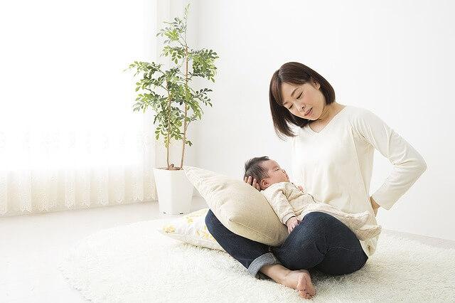 抱っこでぎっくり腰も! 「子育て腰痛」の原因と予防法 | 子供とお出かけ情報「いこーよ」