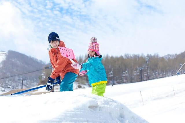 星野リゾートで貴重なお仕事体験! 親子で参加&スキー場満喫