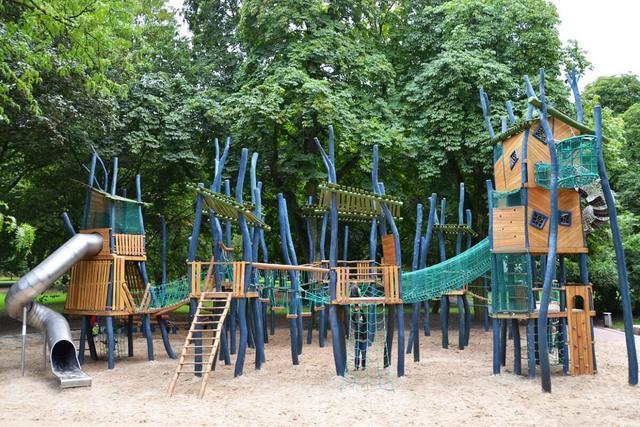 屋内&屋外で1日遊べる公園がリニューアル 国内最大級の遊具も