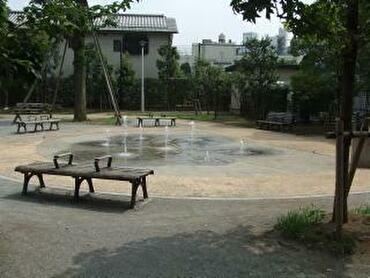 【台東区】じゃぶじゃぶ池&水遊び場があるおすすめ公園まとめ