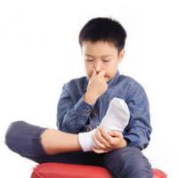 足の臭い 病気