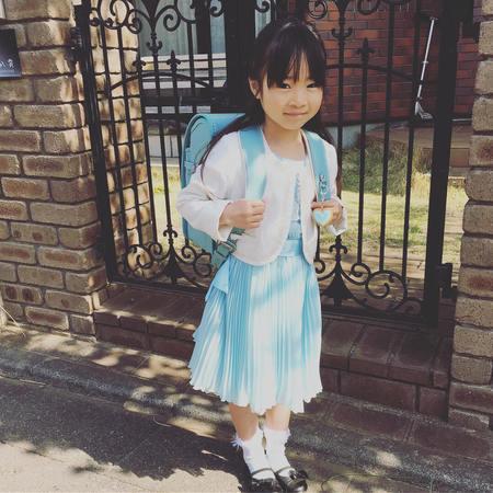 288c3ac3d5b84 ブレザーにチェックのスカートという王道スタイルもやっぱり人気! 学生らしい雰囲気で、一気に大人びた印象になりますね。
