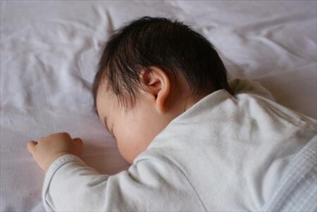 うつぶせ寝 赤ちゃん