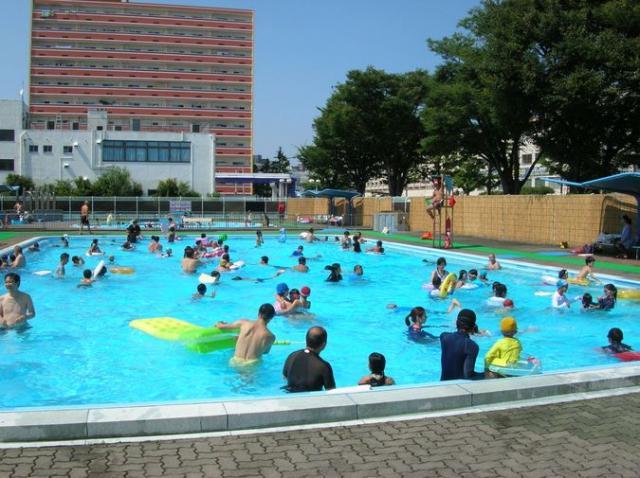 横浜市森町公園プール