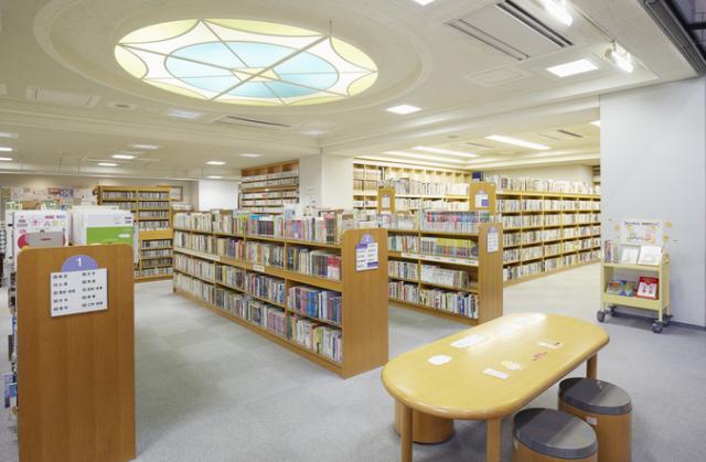 千代田区立昌平まちかど図書館