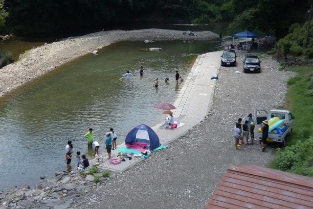 桑の川わんぱく河川プール