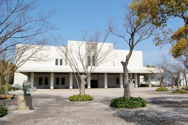 下関市立美術館