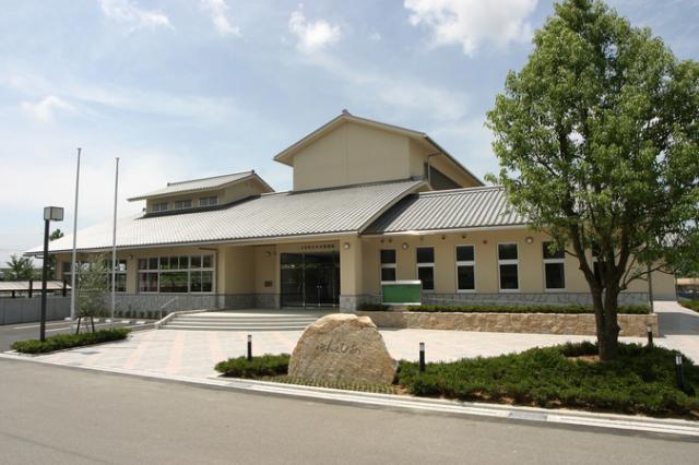 土庄町立中央図書館(ほんとぴあ)