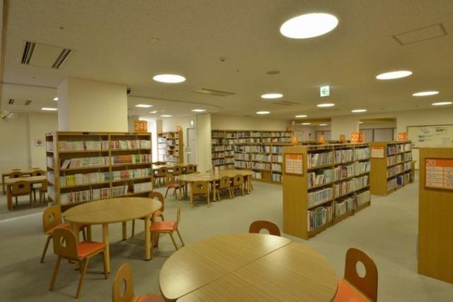 直江津図書館