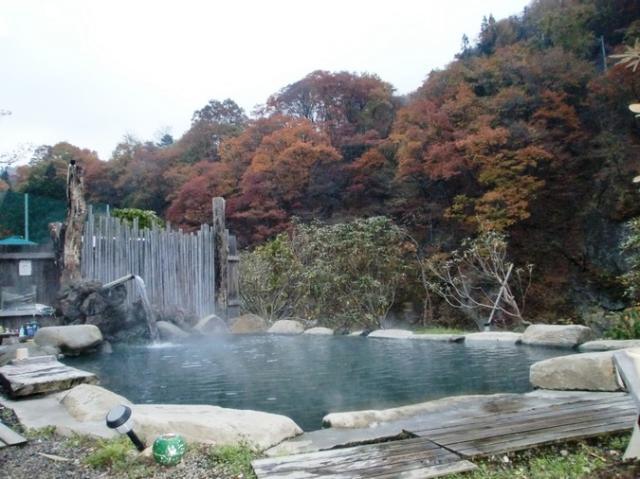 京塚温泉しゃくなげ露天風呂