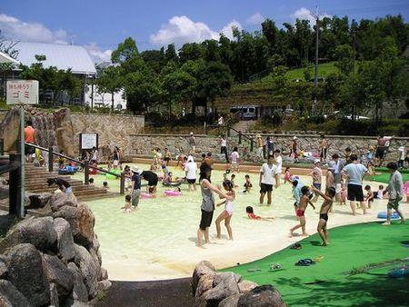 西山公園 ジャブジャブ池
