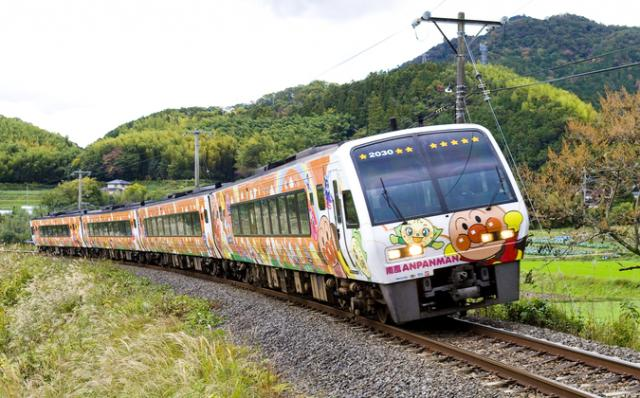 土讃線 アンパンマン列車