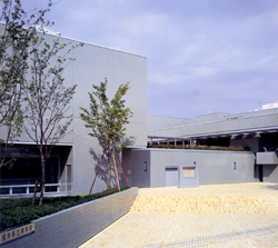 福井県立美術館