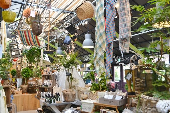 Garden Centre: 『【施設写真】 園内には、 約5,000~6,000もの植物だけでなく